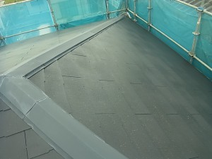 【三重県名張市】屋根塗装|長持ちする水性フッ素塗料をスレート屋根に塗り替えリフォーム