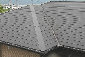 名張市 スレート屋根に20年持つガイナで屋根を塗り替え