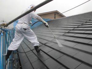橿原市 セメント瓦の屋根の洗浄と屋根下塗り塗装