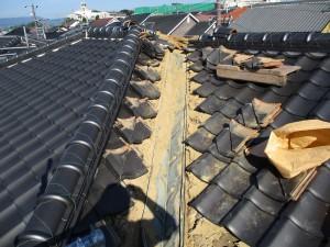 【屋根工事・屋根リフォーム・雨漏り修理】三重県津市H様邸 銅板の谷をステンレス製に交換工事の詳細です。
