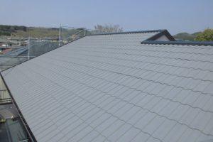 名張市 夏は涼しく冬は暖かいガイナを屋根瓦に塗装