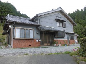 三重県名張市 築20年以上で塗装していない外壁調査