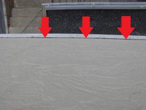 三重県名張市雨漏り調査 幕板(モール)とサイディング壁の際2