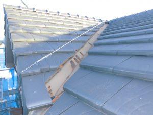 橿原市 屋根の谷板金からの雨漏り防止のため交換工事