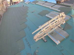 三重県名張市O様 スレート屋根を葺く2