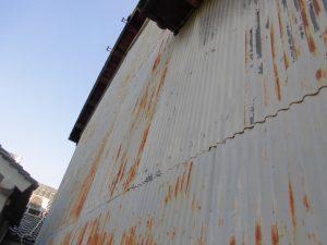 奈良県桜井市 トタン壁の錆び2