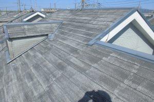 橿原市 断熱セラミックガイナをスレート屋根に塗装
