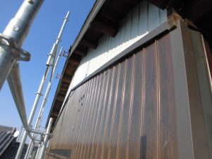 奈良県桜井市 外壁カバー工法工事 プリント鋼板張る4