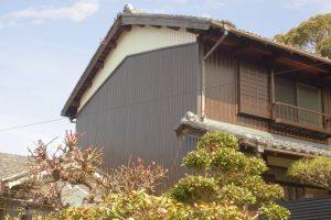 奈良県桜井市 高級化粧プリント鋼板を外壁カバー工法工事