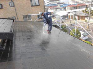 橿原市 水性ヤネフレッシュシリコンをスレート屋根に塗装