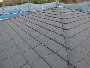 【屋根塗装,屋根塗り替え】三重県名張市H様邸 屋根塗装の工程に入りました。(下塗り)