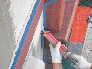 三重県名張市 外壁修理 窓まわりと幕板にシーリング材を充填