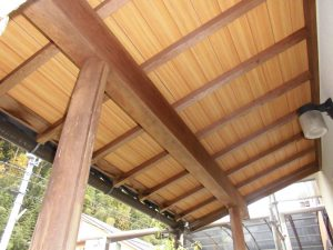 宇陀市U様 玄関前の木部塗装