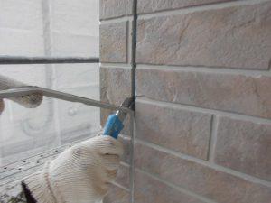 奈良県橿原市 サイディング外壁の目地シーリング除去2