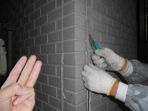 橿原市 暑い寒いうるさいを解消するガイナを外壁に塗装