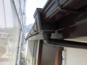 名張市 雨樋塗装2