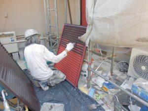 橿原市 雨戸塗装 上塗り塗装1