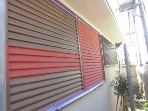 橿原市 雨戸塗装を長持ちさせるため錆び止め塗装を入れる