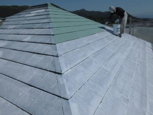 名張市 屋根にガイナ塗装1