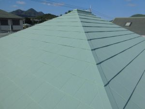 名張市 屋根にガイナ塗装3