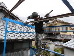 奈良県橿原市K様 鉄部塗装 ケレン・ペーパーで擦る