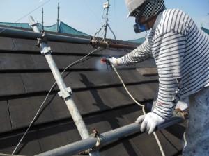 奈良県桜井市 セメント瓦屋根にシリコン塗料を塗装