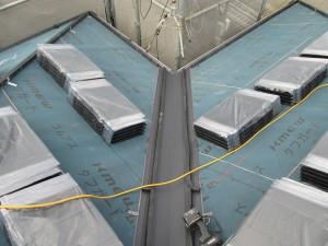 【屋根工事・屋根リフォーム・雨漏り修理】三重県津市T様邸 ステンレス谷を設置しました。