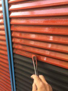 奈良市N様 雨戸塗装前の錆び止め塗装