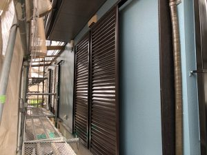 三重県伊賀市S様雨戸塗装リフォーム工事