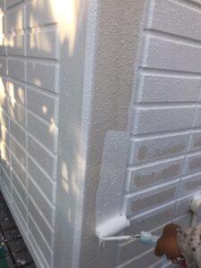 塗装2回め:中塗り(ローラーで手塗り) 外壁塗装 奈良県宇陀市