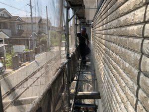 桜井市 外壁塗装は洗浄と養生シートの張り方で決まる?