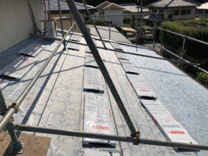 三重県名張市 屋根リフォーム 防水シート張る