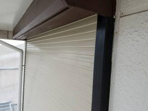 奈良県橿原市  雨戸を錆び止め塗装してから上塗り塗装