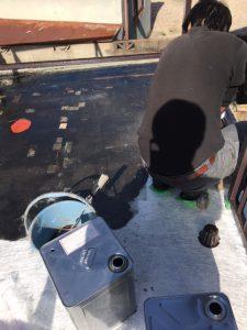 奈良県橿原市FRP防水工事 主剤中塗り2