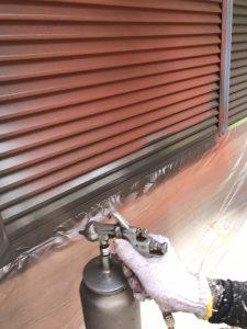 奈良県橿原市 雨戸塗装 上塗り塗装2