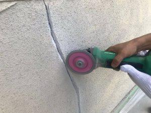 奈良県橿原市 外壁塗装前にひび割れの修理で雨漏り防止