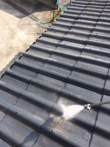 奈良県吉野郡 耐用年数20年のガイナを屋根瓦に塗装