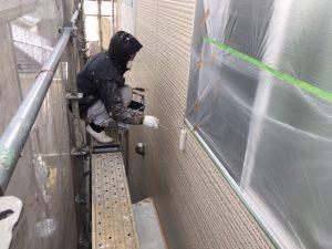 奈良県橿原市 サイディング壁にフッ素樹脂塗料を上塗り3