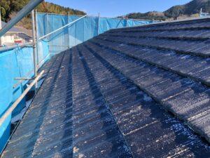 ローラーで手塗り完了|屋根塗装 奈良県宇陀市