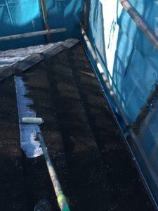 ローラーで手塗り|屋根塗装 奈良県宇陀市
