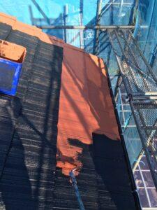 屋根塗り替え 2回目の中塗り1