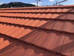屋根塗り替え 2回目の中塗り3