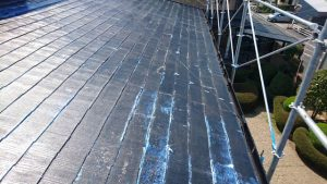 奈良県橿原市 屋根下塗り塗装シーラー塗る2