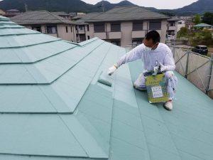名張市 屋根にガイナ塗装2