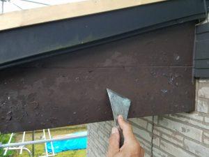 奈良県 板金塗装前の下地処理 皮スキで捲る