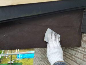 奈良県 板金塗装前の下地処理 サンドペーパーで擦る