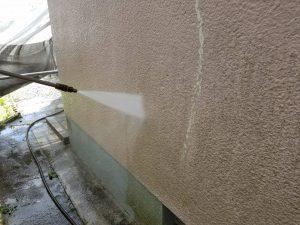 香芝市 外壁塗装前の高圧洗浄と養生シート張りで決まる