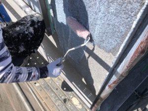 【奈良県大和高田市】外壁塗装|ボロボロと落ちてくる粉状に劣化した外壁を固める下塗り塗装