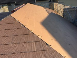 名張市 夏に涼しい遮熱効果抜群のスレート屋根工事が完成