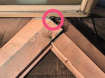 屋根の棟板金の破損